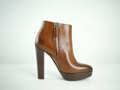 RALPH LAUREN Collection Brown Leather Heeled Platform Ankle Boots WOmen's Fashion Houston, Texas Consignment Boutique Falll fashion