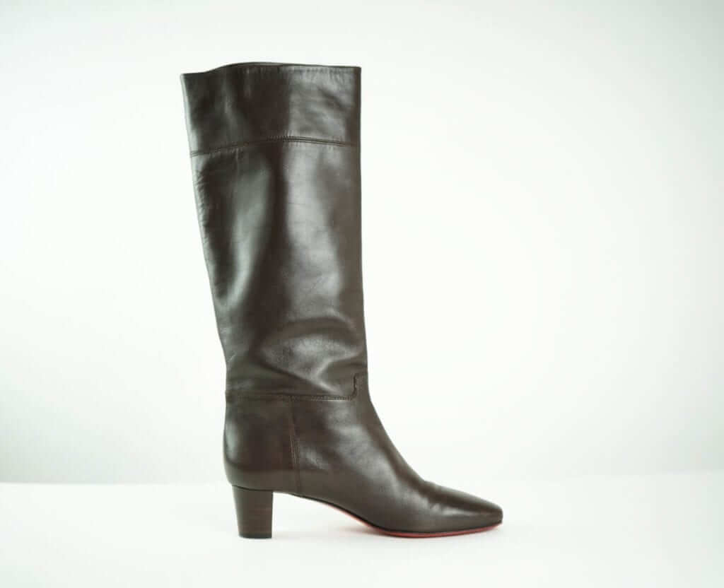 b2046e5686a LOUBOUTIN Brown Leather Short-heeled boots